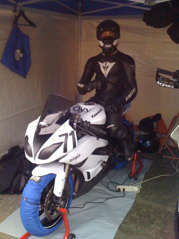 Ma zx6r 2010 (blanche) - Page 3 357554IMG_1324