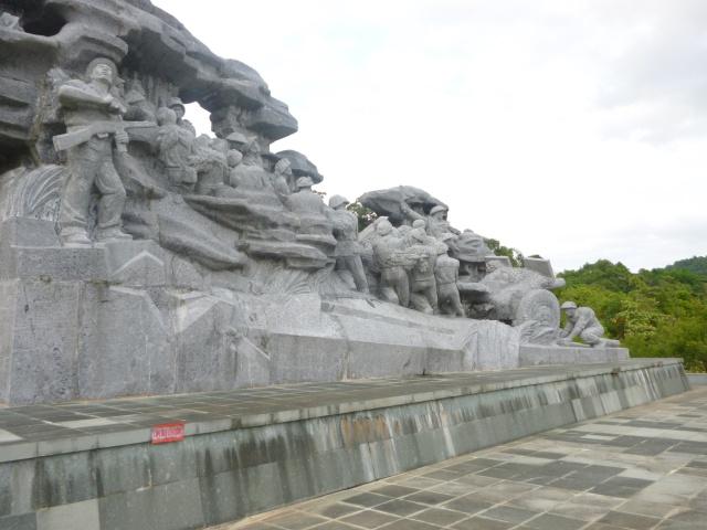 Tourisme historique à Dien Bien Phu 357949monumentlagloiredesartilleurs