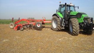 Photos de vos tracteurs - Page 4 360229DSC01818