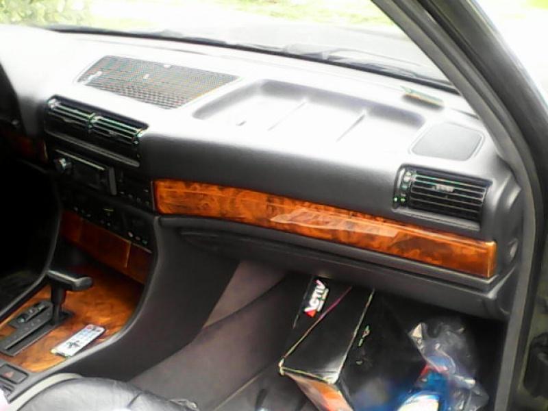 MIA automobile BMW E32 730i v8 1993 362528IMG20150310115955