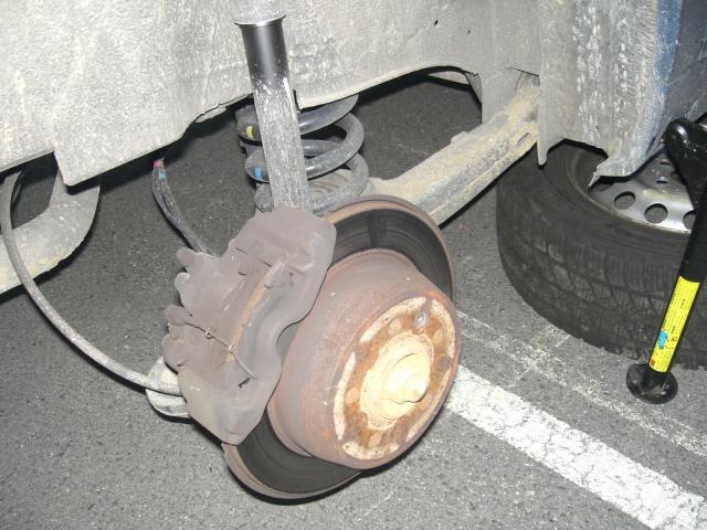 Changement plaquette de frein AV Vito F 2001 363174CIMG1219