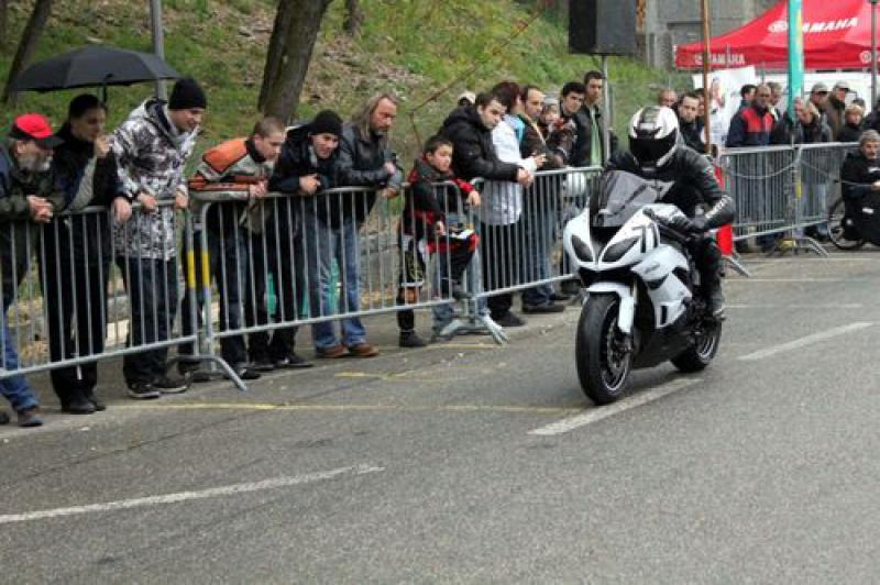 Ma zx6r 2010 (blanche) - Page 3 36876558072314_m