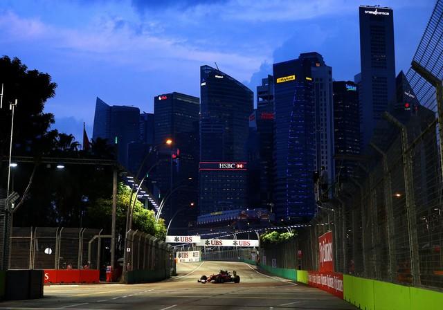 F1 GP de Singapour 2014 : (essais libres-1-2-3-Qualifications) 3692242014Singapourfernandoalonso