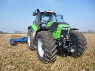 Photos de vos tracteurs - Page 4 369733P1000719