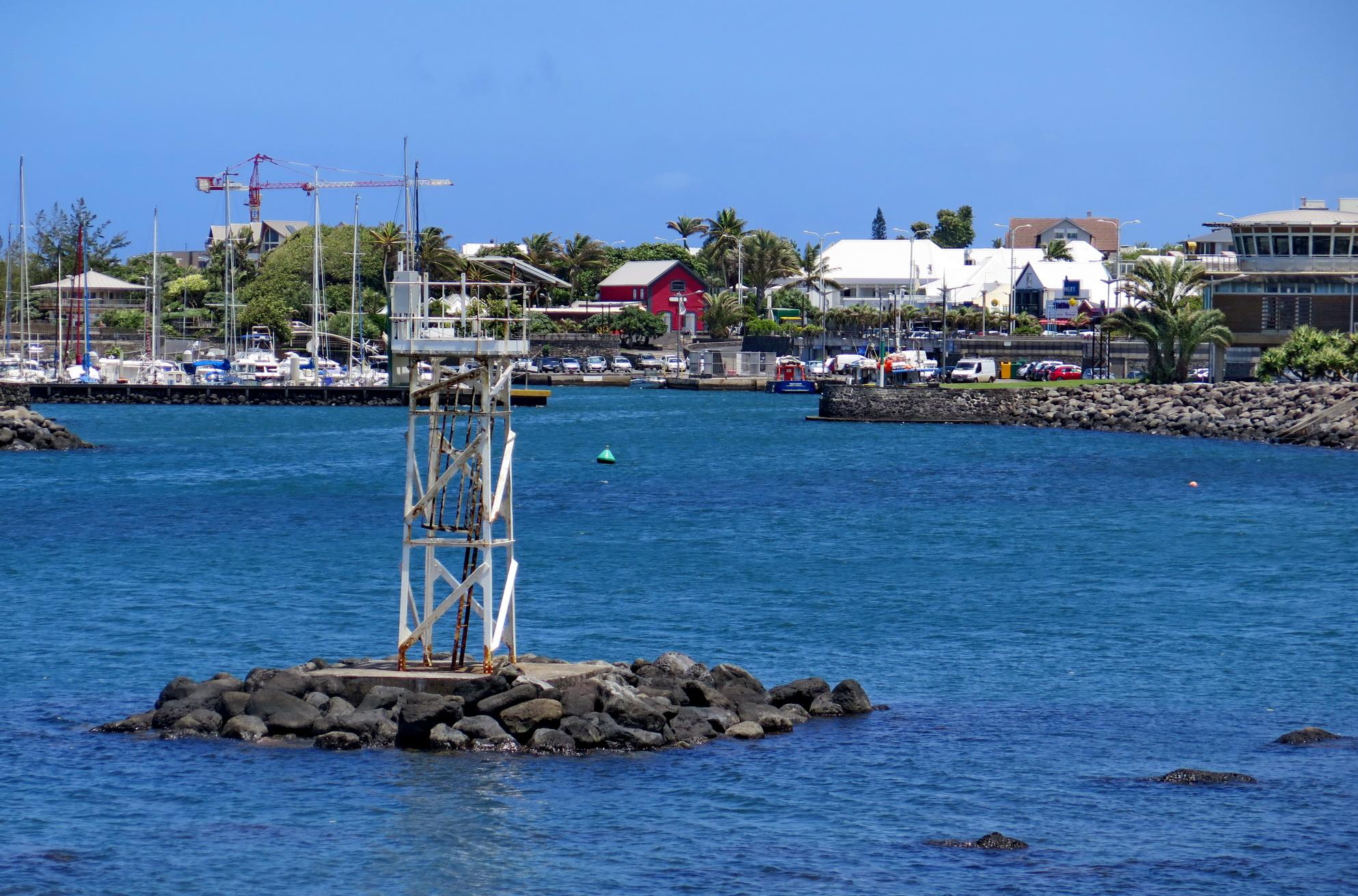 [Vie des ports] Les ports de la Réunion - Page 4 370488IMG0407