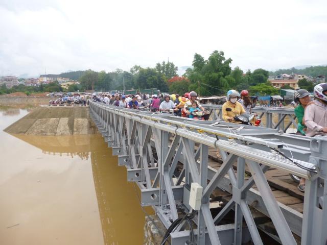 Tourisme historique à Dien Bien Phu 370589pontBailey