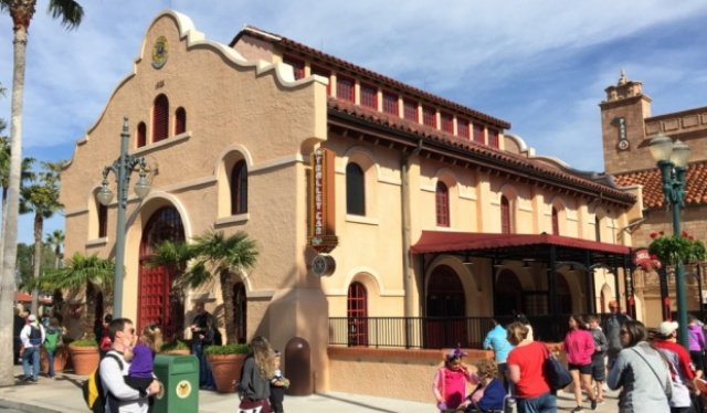 [Nouveau] Starbucks aux Disney's Hotel Cheyenne, Disney's Hotel Santa Fé (avril 2017) & Disney's Sequoia Lodge (automne 2017) - Page 2 371136w407