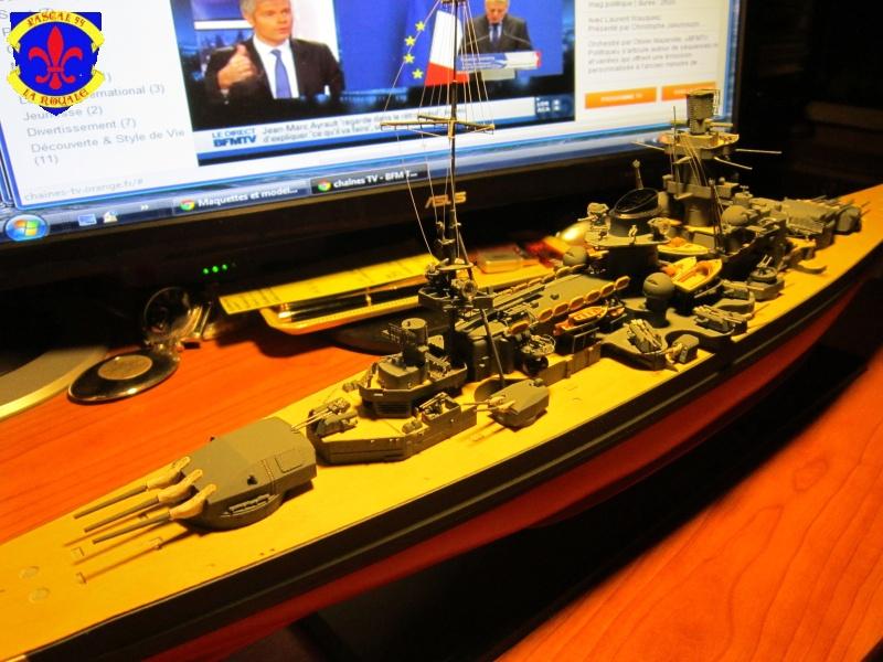 Croiseur de bataille Scharnhorst  au 1/350 de dragon - Page 6 373124IMG1391L