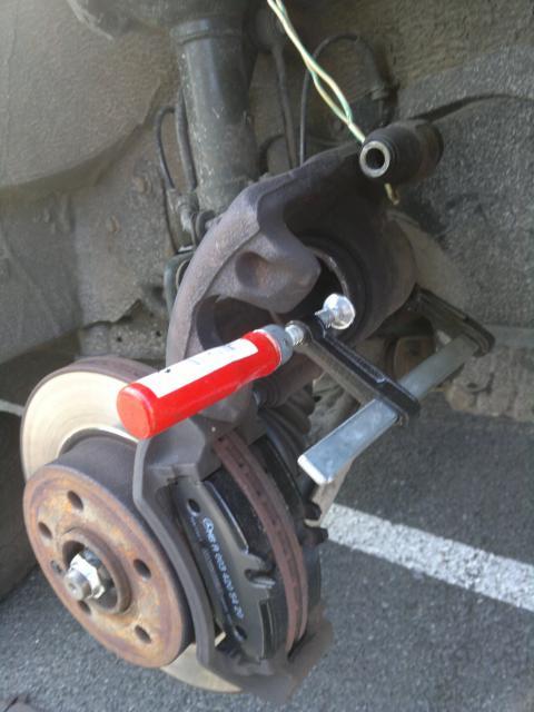 Changement plaquette de frein AV Vito F 2001 37458809052011462