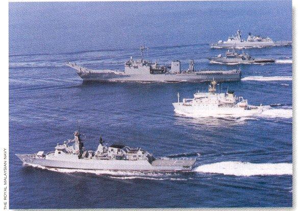 LANDING SHIP TANK (LST) CLASSE NEWPORT  375235KDSriInderapuraL1505exSpartanburgCountyLST1192