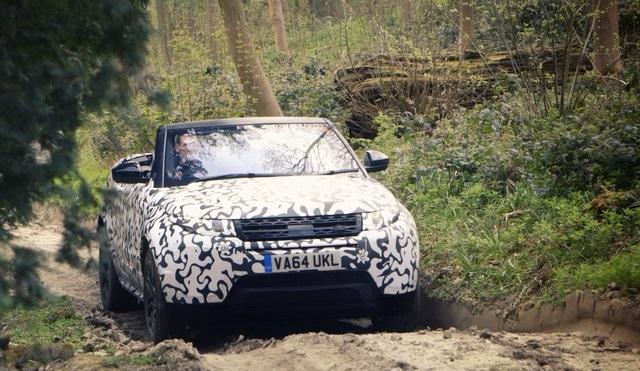 Le nouveau Range Rover Evoque Cabriolet Passe Haut La Main Les Tests Tout-Terrain 376615RangeRoverEvoqueConvertibletestingatEastnor4