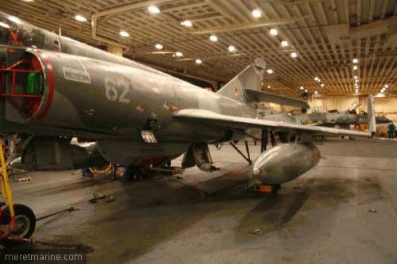 Porte avions Charles De Gaulle au 1/400 d'Heller  - Page 4 3769165931