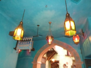 Agrabah Café Restaurant (carte p.26) - Page 25 381382P1130711