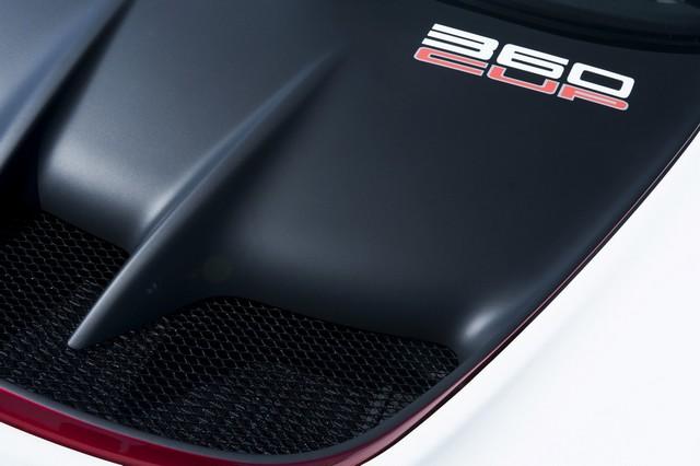 Lotus Exige 360 Cup série limitée à 50 exemplaires 382047lotusexige360cup12