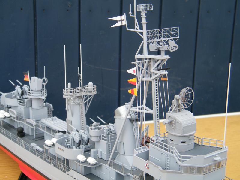 Destroyer Fletcher-Class au 1/144 38295020110723bartjeanjvido0214