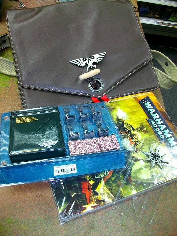 Le Livre de Règles de Warhammer 40,000 - V6 (Topic officiel) 38458430juin3