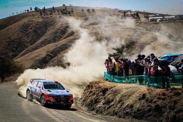Rallye du Mexique Hyundai Motorsport au pied du podium 3866551138sordo03mex16cm811