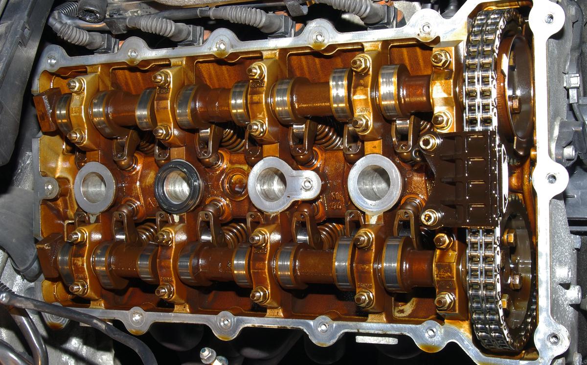 [BMW 318 is E36] Claquements dans le moteur 387692IMGP4668re