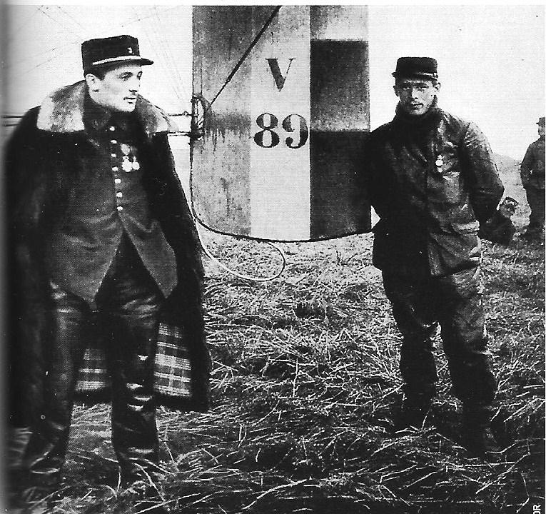"[1914] [Flashback] - Voisin 3 - ""Première victoire aérienne"". 387884JosephFrantzLouisQuenaultescadrilleV24"
