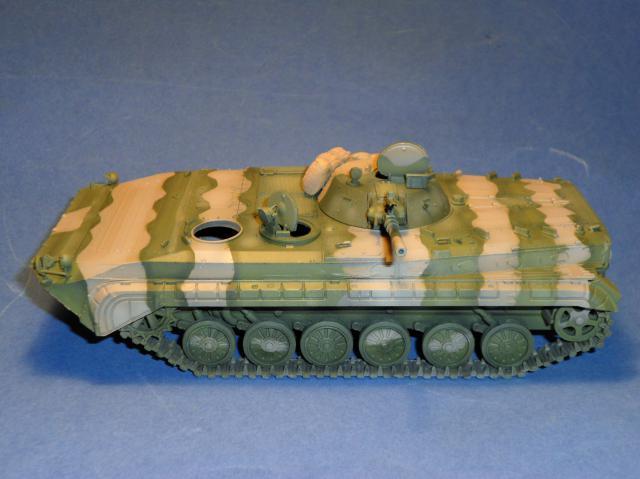 BMP-1 ESCI 1/35e 390146Aot2011074