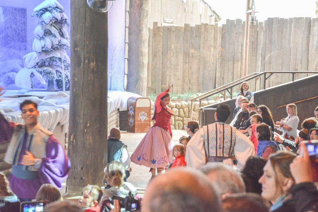 Eté 2015 : La Reine des Neiges, de retour pour givrer l'été du 1er juin au 13 septembre 2015 - Page 7 39231831mai1520