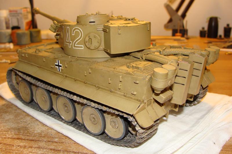 Tigre I - Tamiya ref 35156 - 1/35 - Page 4 393161DSC05359