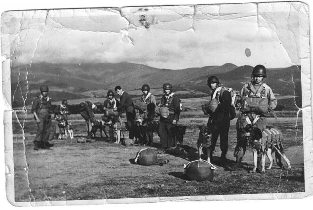 1948/1950 Algérie 2ème Bataillon du 1er R.C.P. 396092RCPAlgrie1950