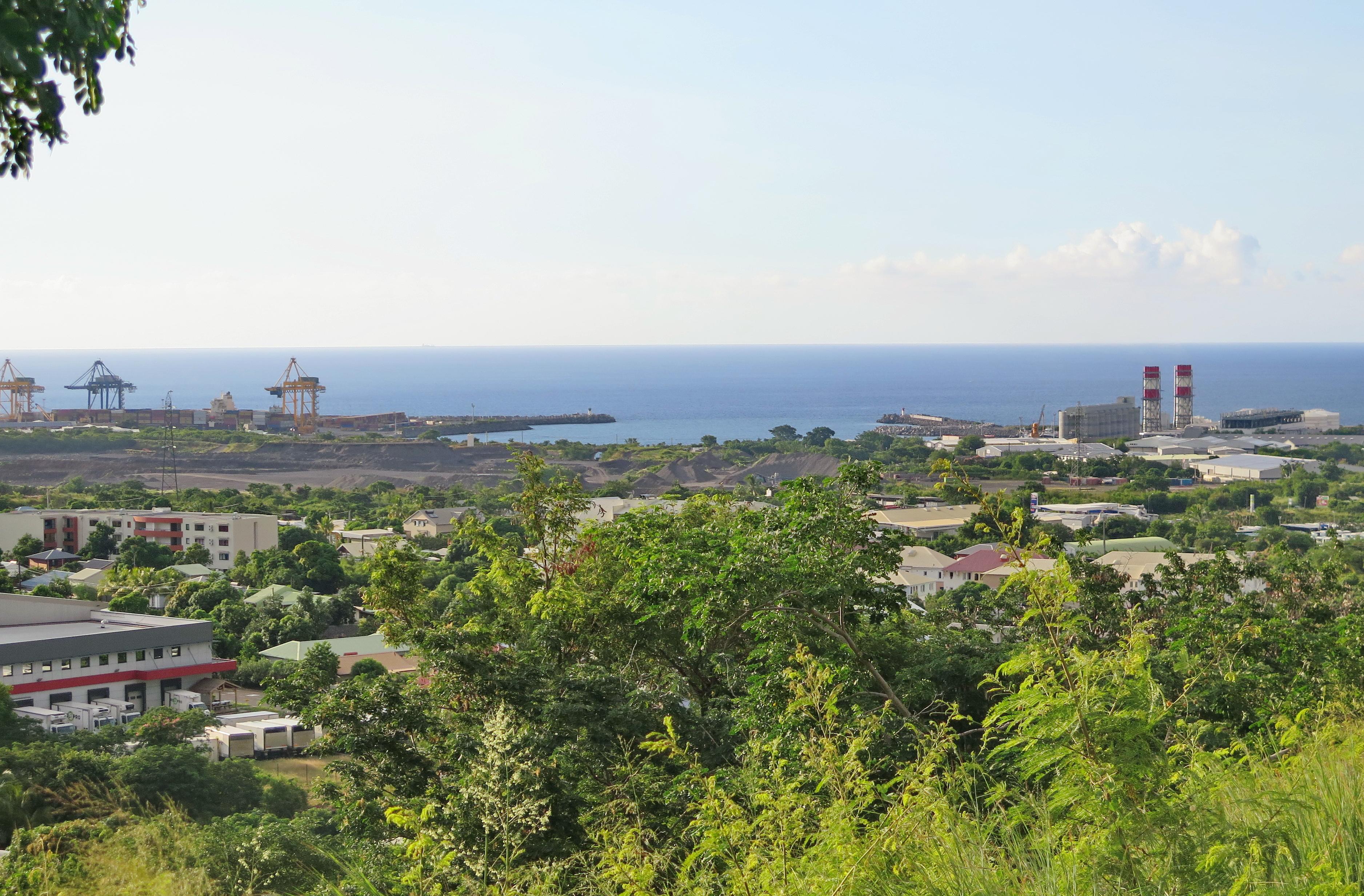 [Vie des ports] Les ports de la Réunion - Page 6 396422leportsolange002