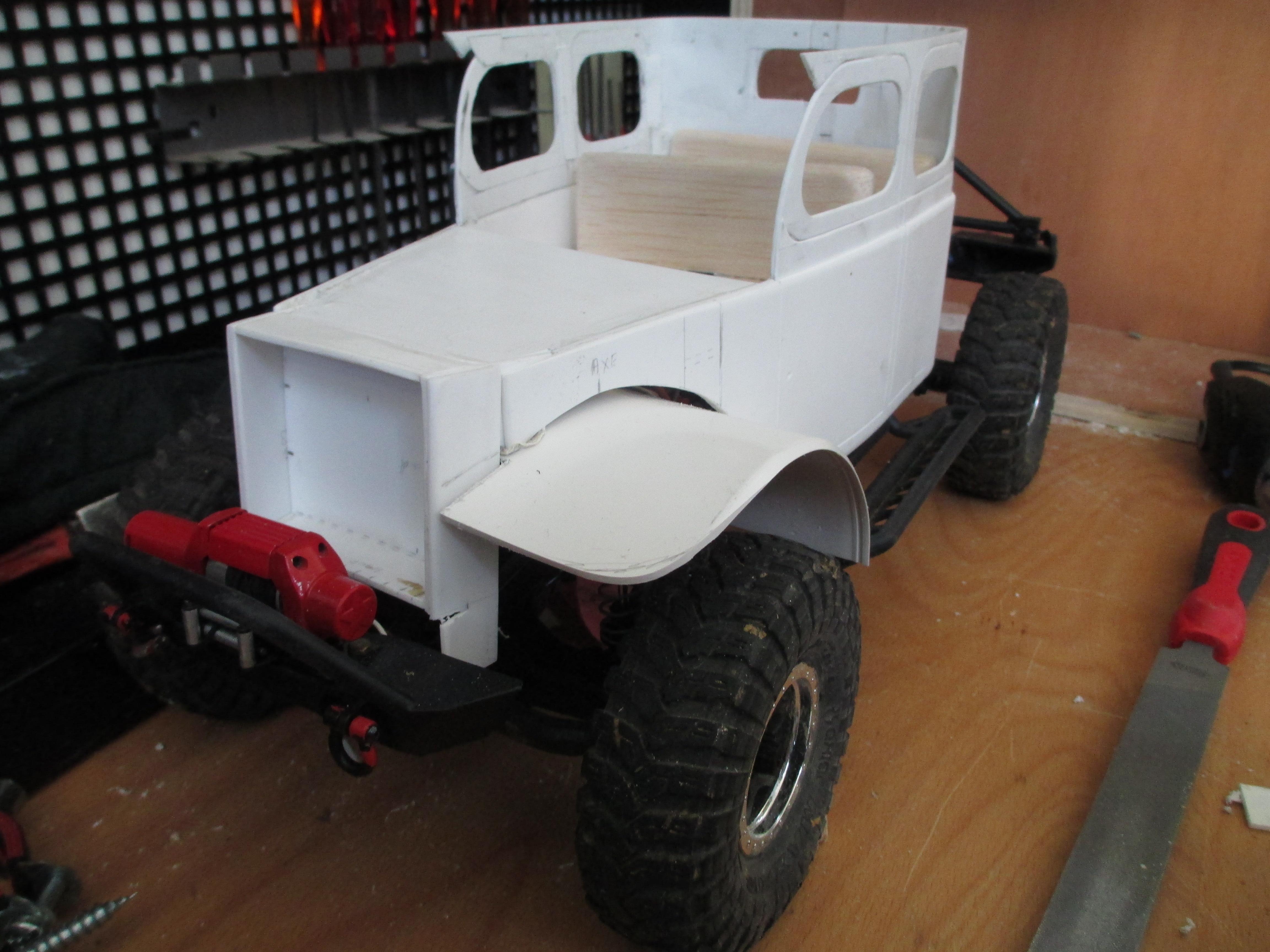Futur projet, Dodge Legacy power wagon - Page 3 399639IMG1407