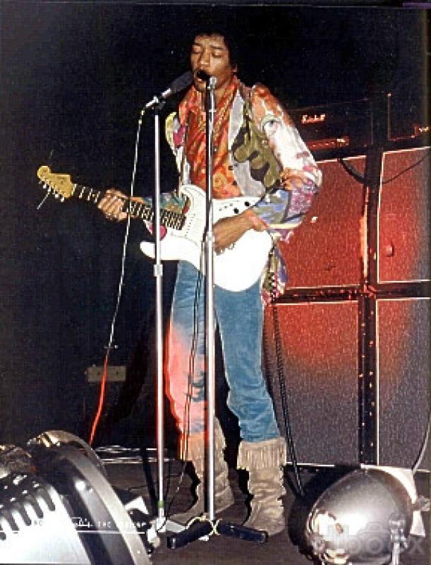 Londres (Saville Theatre) : 8 octobre 1967  [Premier concert] 40111819671008Saville