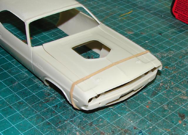 Challenger R/T 1970 401554creamchallenger010