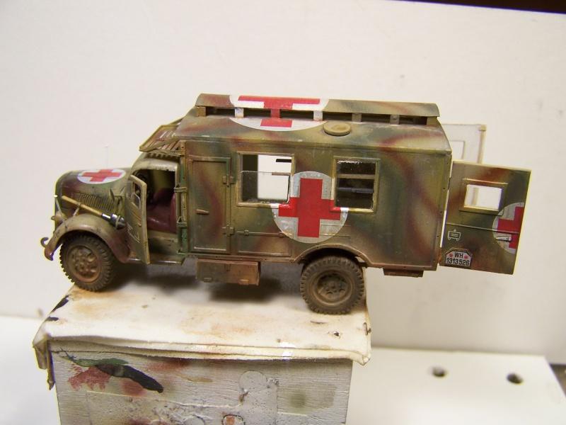 Opel Blitz Ambulance Normandie été 1944 - Page 2 4032181005874