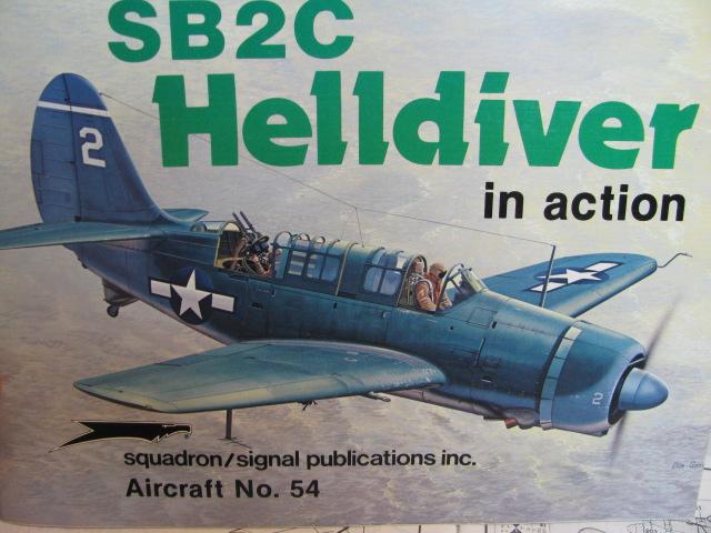 Curtiss SB2C-4 Helldiver  Revell 1/48  404236IMG0564