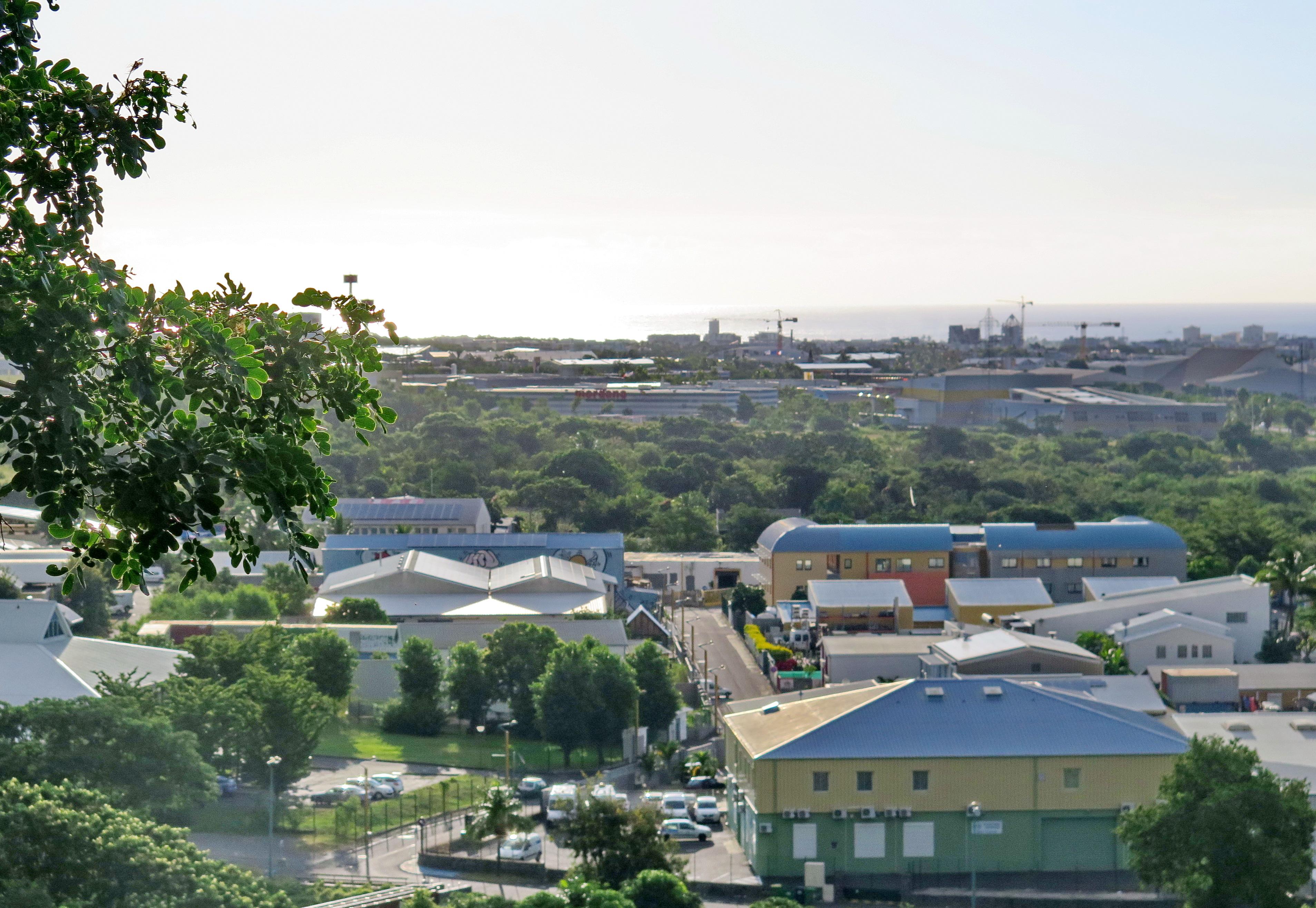 [Vie des ports] Les ports de la Réunion - Page 6 408310leportsolange003