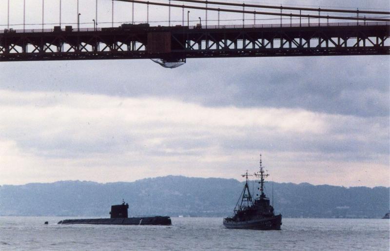 SOUS MARIN NUCLEAIRE D'ATTAQUE USS NAUTILUS 408460USSNautilusremorqu
