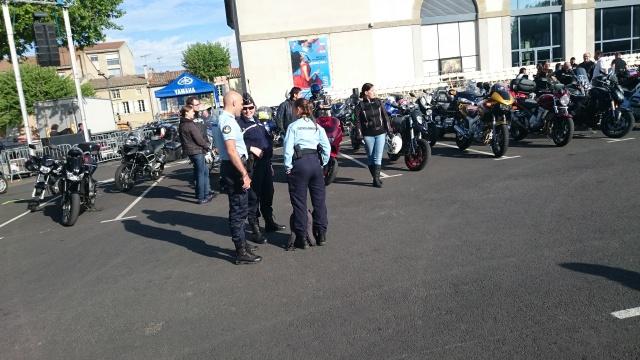 CR & Photos & Vidéo : TSO 03/05/15 La Gendarmerie en Balade et Spectacle à Castelnaudary  410752Cast01