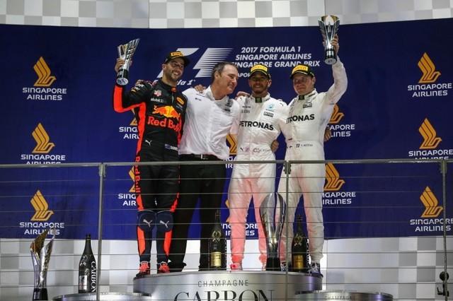 F1 GP de Singapour 2017 : Victoire Lewis Hamilton  4111492017gpdesingapourpodium1