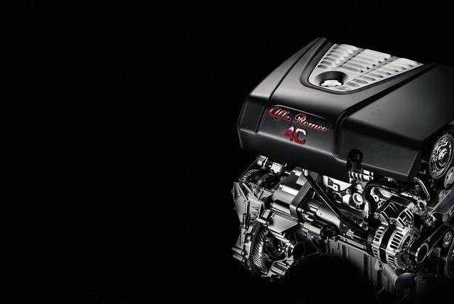 Alfa Romeo au Salon International de Genève 2015 414858150223AR4CSpider17