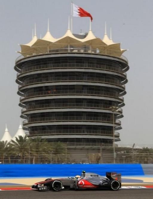 F1 GP de Bahreïn 2012 (jour 1 -2 - 3- Qualifications)  4152342012LewisHamilton1