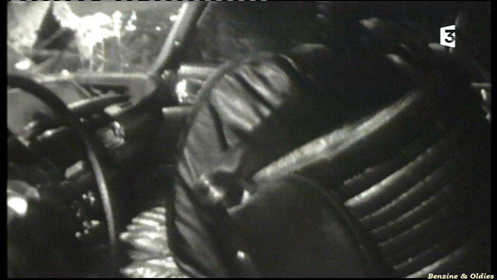 très rares photos de l'accident de Johnny Hallyday et Sylvie Vartan le 20 février 1970 à bord d'une Citroën DS 417700citroendscrashjohnny04