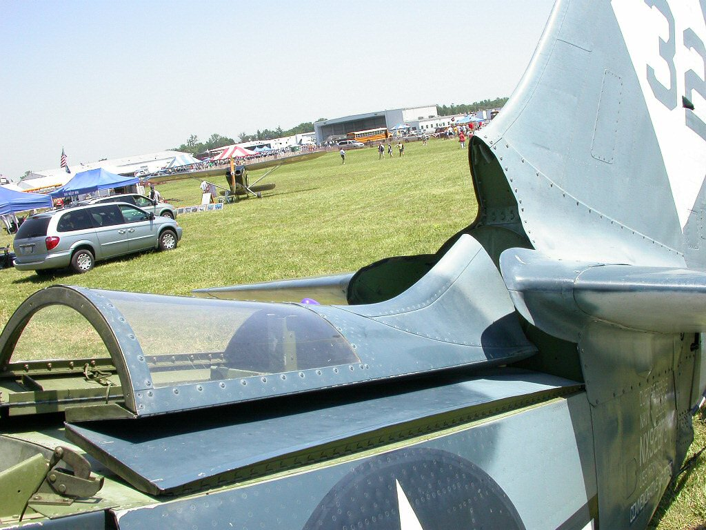 Curtiss SB2C-4 Helldiver  Revell 1/48  421732frouchsb2c14