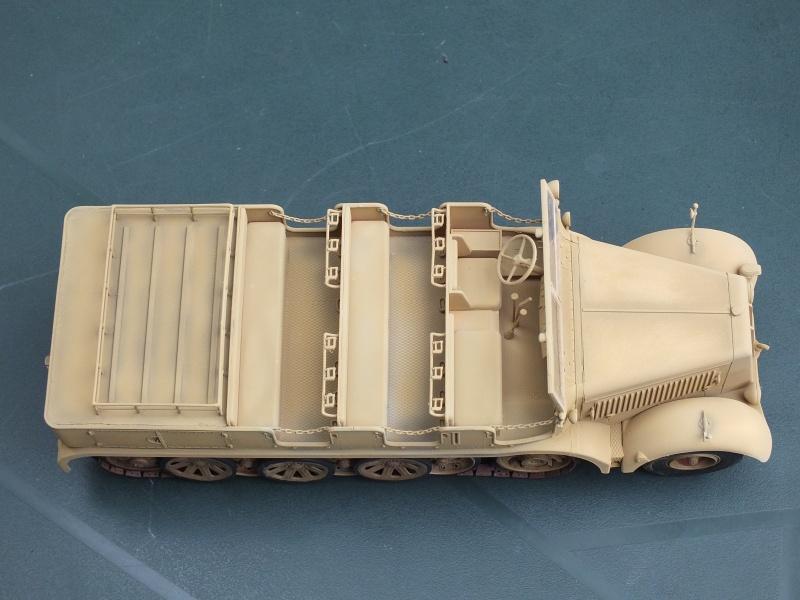 Sd.Kfz.8 Schwerer Zugkraftwagen 12 ton (Trumpeter 1/35) (DÉBUT DE PEINTURE) - Page 3 422458DSCF5792