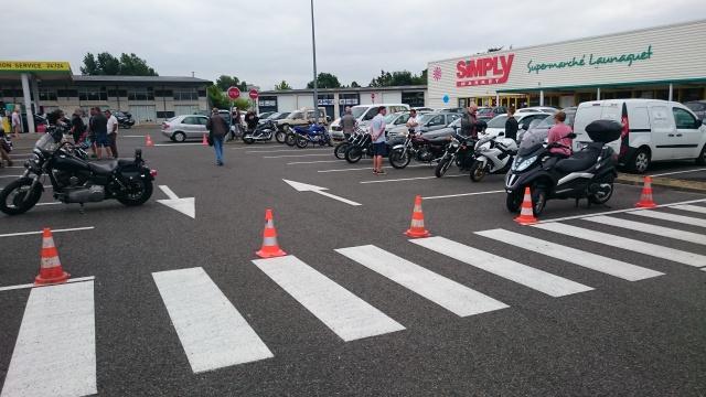 CR & Photos : TSO 19/07/15 Motors & Café Toulouse Launaguet 427125Lau002