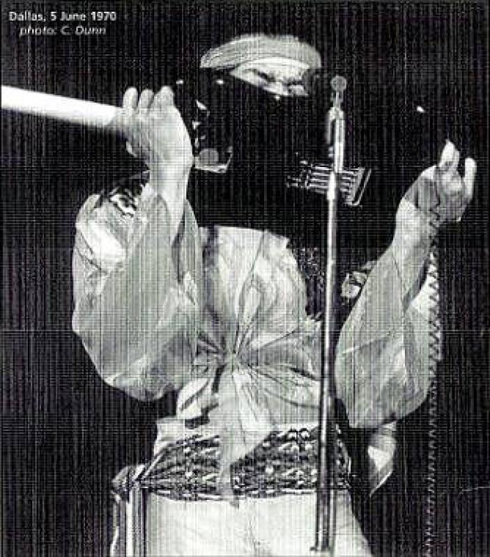Dallas (Memorial Auditorium) : 5 juin 1970  42932419700605dallasuv57b