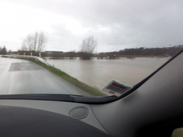 reportage inondations Nord France 4/11/2012 - Page 3 43012420121230162308