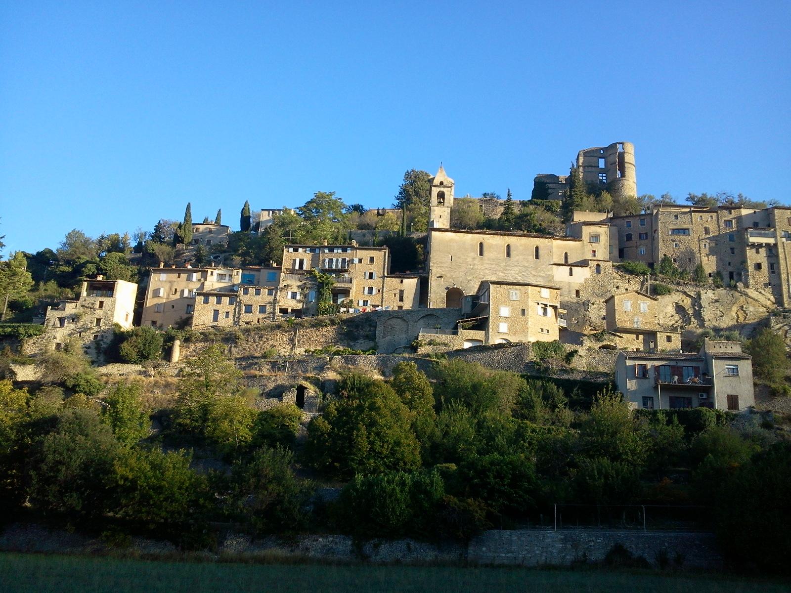 Voyage (petit) à la limite de la drome provençale et du vaucluse. 430458Photo0675