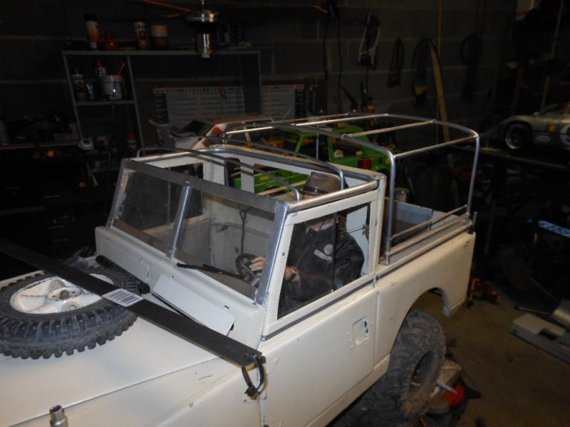 Erik : carrossier voitures miniatures , artisan formeur de tôle 432601DSCN5404