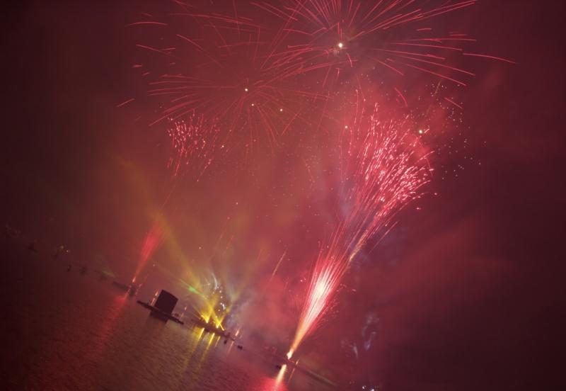 Les Feux Magiques de Disney - Disney's Magical Fireworks & Bonfire (Editions 2008 à 2016) - Page 11 433668thumbIMG57151024