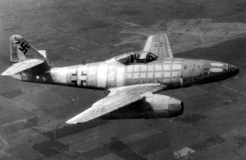 GRUMMAN F9F PANTHER  434314Messerschmitt_Me_262_Schwable