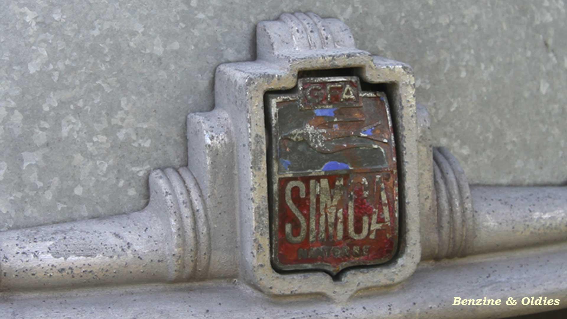 une Simca 6 carrosserie aluminium oubliée dans la nature - Simca6 - Page 2 434848simca6street31bw19201080